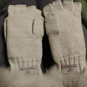 Wool gloves with real shearing sheepskin